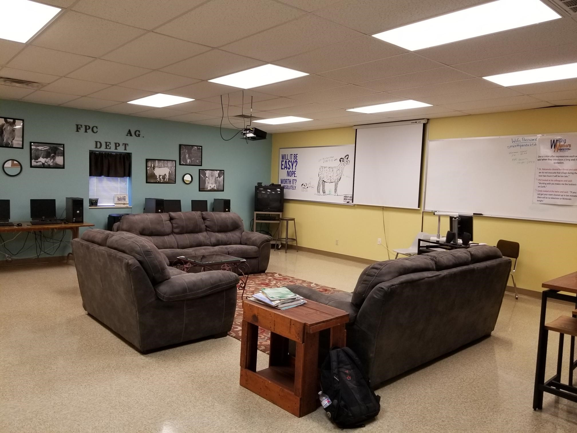 Student Lounge B Frank Phillips College